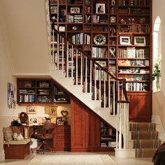 At home library and office nook, wow. I love using space under stairs for cool ideas. Cozy Office, Office Nook, Mini Office, Study Office, Space Under Stairs, Home Libraries, Public Libraries, Home Office Design, Style At Home