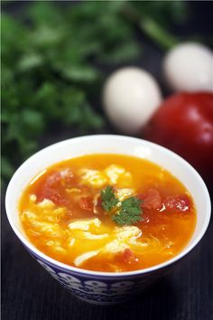 Chinese tomato soup recipe with egg flower. Chinboo show you quick easy nice tomato egg flower soup. A normal enough soup in China you will like it.