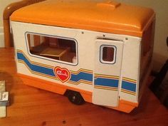Sindy Caravan My Childhood Memories, Childhood Toys, Barbie Playsets, Retro Sweets, Sindy Doll, Child Hood, Retro Toys, Caravans, Old Toys