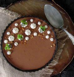 Velvety no-bake chocolate mousse tart with Oreo crust