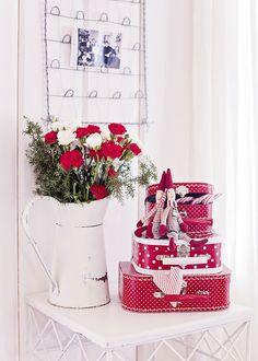 ** Christmas Tale, Christmas Hearts, Very Merry Christmas, White Christmas, Xmas, Christmas Trends, Christmas Inspiration, Handmade Home, Red Carnation