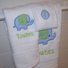 Kids Bath Towels Elephant towel Elephant Nursery Decor Birthday Gift for Girl Baby Shower Gift Personalized Towel Set Monogram Towels, Applique Monogram, Personalized Towels, Embroidery Supplies, Machine Embroidery Designs, T Baby Names, Elephant Towel, Baby Shower Gifts, Baby Gifts