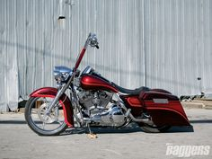 Custom Road King Baggers | 2004 Harley Davidson Road King Side View Photo 2