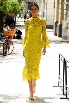 Lela Rose New York Fashion Week Spring 2017 Runway Collection Fashion Mode, New York Fashion, Look Fashion, Spring Fashion, Fashion Show, Womens Fashion, Fashion Design, Dubai Fashion, Beach Fashion