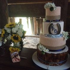 Wedding flowers by Susan Floral Design CDA, Cake by Pastry And More and Candy Roll by Wedding Favor Table, Wedding Favors, Country Wedding Flowers, Kid Table, You Are Perfect, Perfect Wedding, Special Events, Catering, Floral Design