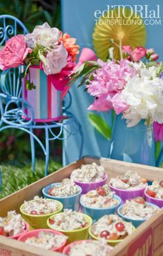 Foodista: Stella's 5th Birthday Party Treats #ToriSpelling's Daughter's Birthday Dessert Spread created by my friend Jill Keenan of #Babycakes via @Michele the Trainer
