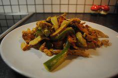 En let og hurtigt opskrift på thai inspireret stegt kylling med karry. Det er…