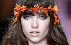 Paris Couture shows. Best of Hair and accessories… Read more on wendyiles-hairblog.com