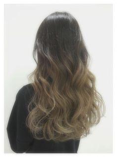 大人気の「グラデーション」。HAIRでも続々最新スタイルがあがってきています。今回はココ最近HAIRで人気の高かったグラデーションカラーをピックアップしました。 Permed Hairstyles, Summer Hairstyles, Pretty Hairstyles, Ash Brown Hair, Long Brunette, Hair Designs, Hair Inspo, Hair Type, Hair Lengths