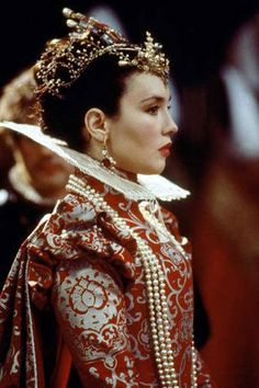 """La Reine Margot"" : Isabelle Adjani as Marguerite de France, Margot queen Isabelle Adjani, Scarlett O'hara, Reine Victoria, Movie Costumes, Period Costumes, Female Costumes, Larp Costumes, Historical Costume, Costume Design"
