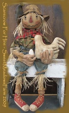 Scarecrow For Hire Primitive Doll Pattern with Chicken and Egg Scarecrow Doll, Scarecrow Crafts, Halloween Doll, Fall Halloween, Halloween Crafts, Wood Scarecrow, Vintage Halloween, Halloween Party, Primitive Fall Crafts