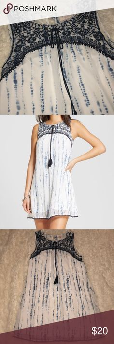 NEVER WORN! 💕 Knox Rose for Target Shift Dress Brand new, white and blue tie dye shift dress with lace detail. Lining underneath so it is not see-through! Button closure in back.  100% Polyester Knox Rose Dresses