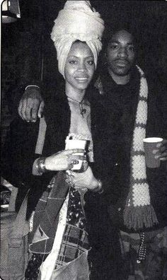 Badu and Andre 3000. This is where things got weird with Andre. Like everyone else who has been with her. Lol