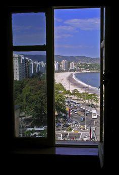 University, (Looking out from Admin Building of Federal University to Icarai Beach) Niteroi, Rio de Janeiro, Brazil Copyright: Marque Berger