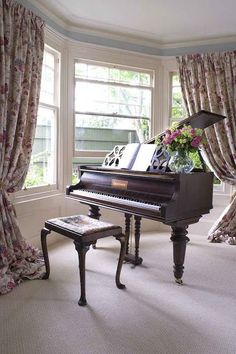 15 Ideas for music room piano instruments The Piano, Piano Art, Piano Music, Art Music, Grand Piano Room, Piano Room Decor, Piano Wallpaper, Home Music Rooms, Baby Grand Pianos