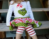 strappare jeans idee particolari riciclo : Etsy--Bella Grace Creations...Grinch T with ruffle leggings and skirt