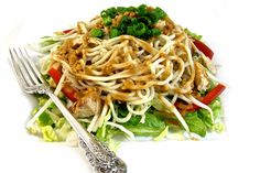 Thai-Riffic Noodle Chicken Salad with Peanut Dressing Recipe Thai Crunch Salad, Thai Noodle Salad, Food Network Recipes, Cooking Recipes, Healthy Recipes, Skinny Kitchen, Peanut Dressing, Peanut Noodles, Asian Chicken