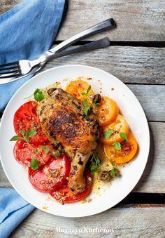 Oregano chicken with tomato salad | Pieczony kurczak w oregano z oliwkami oraz sałatką pomidorową