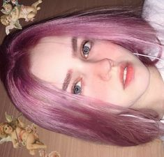 Image may contain: one or more people and closeup Uzzlang Makeup, Cute Makeup, Grunge Hair, Aesthetic Hair, Uzzlang Girl, Fantasy Hair, Girl Inspiration, Hair Inspo, Pink Hair