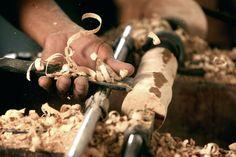 wood turning   File:Woodturning Indonesia.jpg - Wikimedia Commons