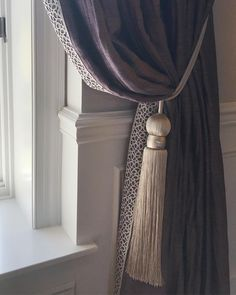 12 Living Area Curtain Tips to Immediately Improve your Inner Parts Stunning Ideas for a window curtains ideas for living room that will blow your [. Fancy Curtains, Classic Curtains, Curtains With Blinds, Window Curtains, Fresh Living Room, Living Room White, Living Area, Living Room Decor Curtains, Quartos