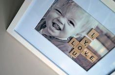 Fotolijst voor vaderdag met scrabbel letters.