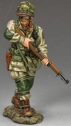 World War II U.S. 82nd Airborne DD216 Cautiously Advancing- Made by King and Country Military Miniatures and Models. Factory made, hand assembled, painted and boxed in a padded decorative box. Excellent gift for the enthusiast.
