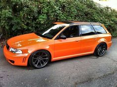 Audi RS4 Wagon / I actually love the orange!