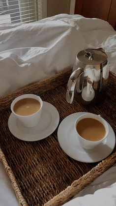 Coffee Break, Coffee Time, Coffee Cups, Dont Touch My Phone Wallpapers, Tea And Books, Coffee Is Life, Monday Blues, Breakfast In Bed, What You Eat