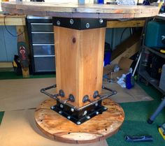 Wire Spool Table with Footring van TheHollowFurnitureCo op Etsy