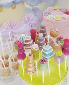 Gorgeous cake pops!