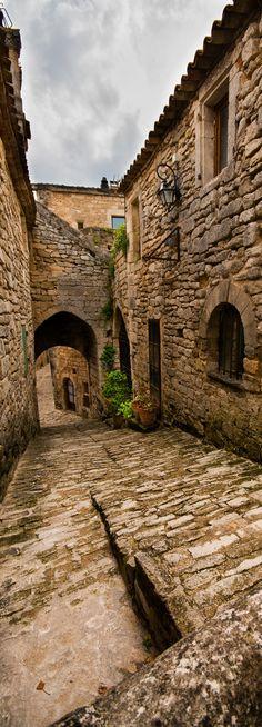 https://flic.kr/p/ekTGyy | Lacoste | Village de Lacoste dans le Luberon, Vaucluse.