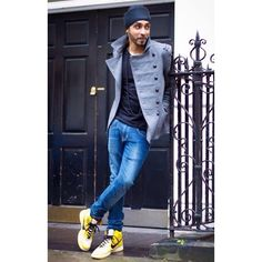We all know gym shoes are the most comfortable, and wearing them can actually be stylish. These colorful sneakers look awesome with a neutral outfit.  Associate your sneakers with the cool and unique shoelaces. Grab Shoe String King shoelaces at www.ShoeStringKing.com NOW! #SSKmale #sneakers #yellow #shoe #shoes #men #neutral #suit #trend #trendy #fashion #style #stylish #sneakerhead #mensstyle #mensfashion #menstrend #dope #jacket #jeans #class #smart #solecollector #shoescommunity…