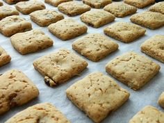 Sušenky ze žitné mouky No Bake Cookies, Baking Cookies, Healthy Sweets, Sweet Tooth, Deserts, Paleo, Dessert Recipes, Food And Drink, Bread