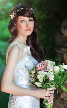 gold wedding headband, bridal pearl tiara with crystals and gold leaves