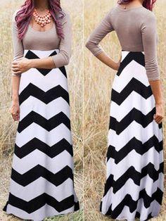 Black-White Wave Striped Pleated Scoop Neck 3/4 Sleeve Floor Length Dress