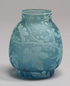 3003: Webb Gem Cameo Art glass vase England Ovoid body : Lot 3003