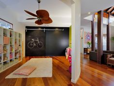 Squeezed Daily-Tropical Living, kids room