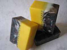 Sunflower soaps by Great Cakes Soapworks-tutorial! Must try. Maybe as a coffee and cocoa...bottom a coffee color?