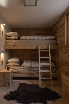 27 Country Cottage Style Kitchen Decor Ideas to Make You Fall in Love with Your Kitchen Again - The Trending House Cabin Bunk Beds, Bunk Beds Built In, Cool Bunk Beds, Kids Bunk Beds, Home Decor Styles, Cheap Home Decor, Mountain House Decor, Chalet Interior, Chalet Design