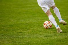Tackle Football, Youth Football, World Football, Ruud Van Nistelrooy, Robert Lewandowski, Uefa Champions League, Fc Barcelona, Football Anglais, Kinesio Tape