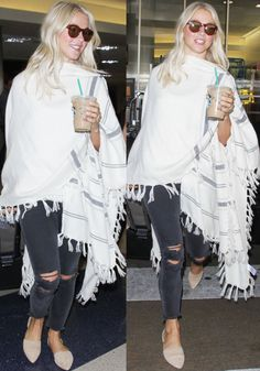 Julianne cheerfully answered questions from a paparazzo while sipping on her iced coffee