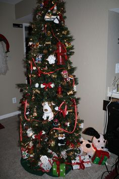 Dog themed tree 2013