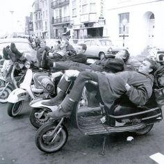 Taking a rest. Vespa Lambretta, Vespa Scooters, Italian Scooter, Retro Scooter, Acid House, Mod Girl, Teddy Boys, Rude Boy, 60s Mod