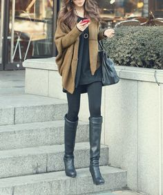 all black with a pop of brown. cute everyday street style