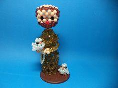 Linda peça feita com bolas acrílicas do tamanho 4mm e 3mm. <br>Ideal para decorar ou presentear amigos e parentes.