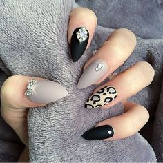 Nail art Christmas - the festive spirit on the nails. Over 70 creative ideas and tutorials - My Nails Fancy Nails, Love Nails, My Nails, Stiletto Nails, Coffin Nails, Acrylic Nails, Gorgeous Nails, Pretty Nails, Manicure