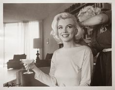Bid now on Marilyn Monroe with Champagne by George Barris. View a wide Variety of artworks by George Barris, now available for sale on artnet Auctions. Old Hollywood, Hollywood Glamour, Classic Hollywood, Hollywood Hills, North Hollywood, Hollywood Style, Marilyn Monroe 1962, Magazine Cosmopolitan, Norma Jeane