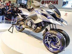 MUNDO LIVE NEWS NOTICIAS: MOTO DE 3 RODAS : Yamaha cria moto futurista com 3...