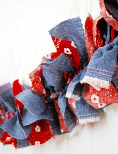 This red bandana and denim party bunting brings rustic fun to your party. Coordinates with any cowboy party printables or other decorations. Fabric Garland, Felt Ball Garland, Bunting Garland, Fabric Bunting, Buntings, Garlands, Horse Party, Cowboy Party, Party Bunting